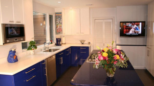 Comfy Kitchen in a Laurel Canyon Home
